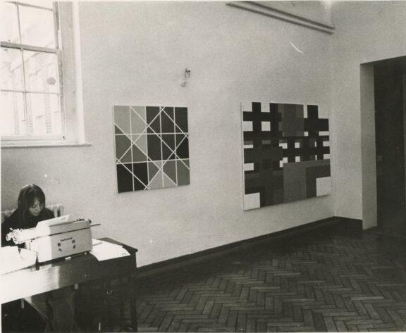 David Saunders, Paintings & Serial Works 1968-73 exhibition