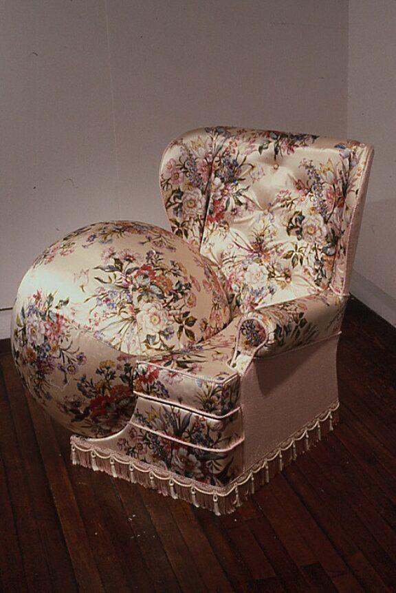 Nina Saunders Hidden Agenda - Are You Sitting Comfortably