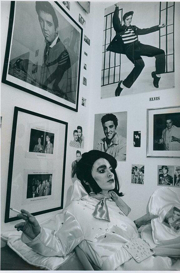 Jane Sanders, Elvis Evils Lives